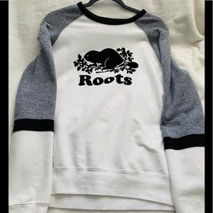 Roots long sleeve sweater